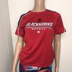 Blackhawks hockey T-shirt majestic size youth med.